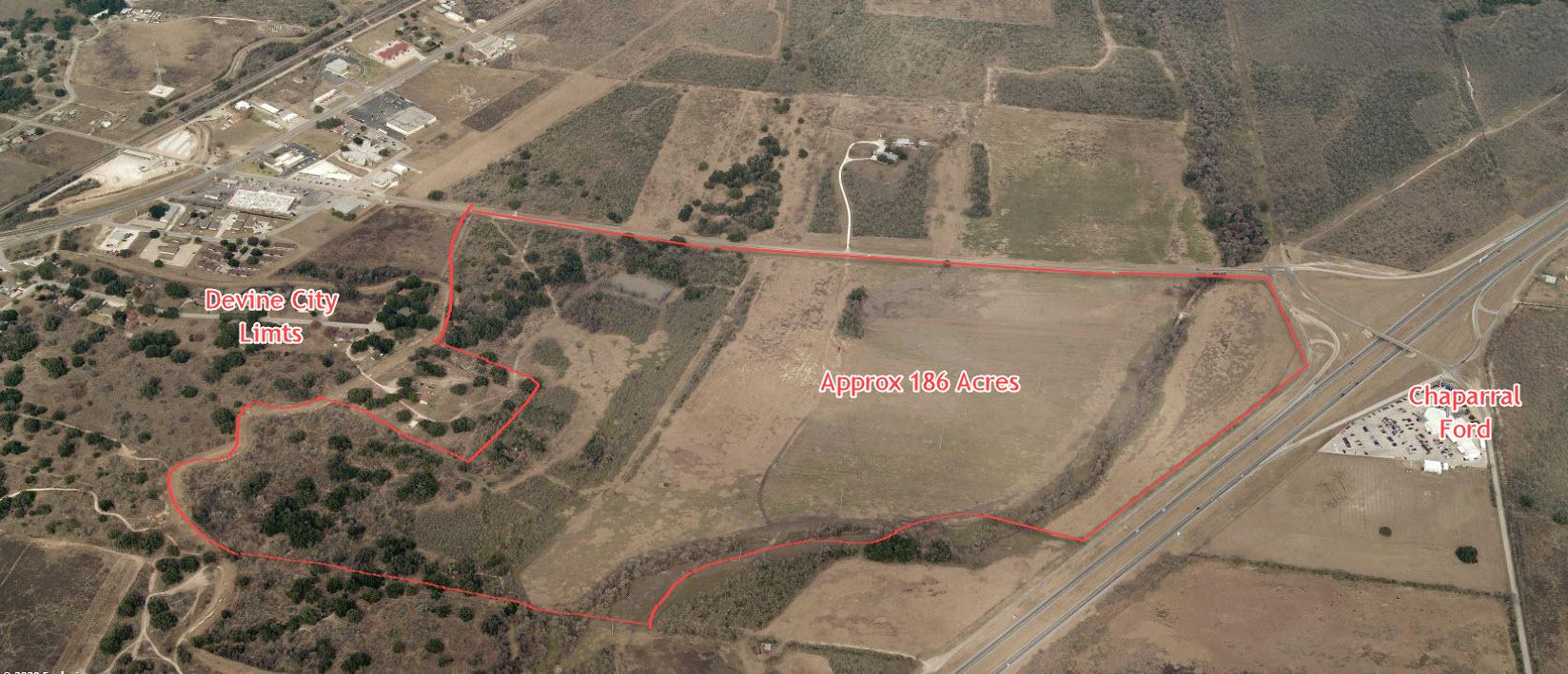 186 Acres – Devine, Texas